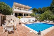 Strandnahe Villa mit tollem Poolbereich und traumhaftem Panoramablick