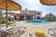 Elegante Finca mit Pool in idyllischer Lage nahe Santa Margalida