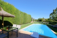 Grossartiges Landhaus-komfortabel, modern rustikal, Pool, TV, Wifi, AC, Grillhaus