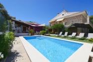 Ferienwohnung in idealer Lage - Pool, strandnah, ruhig, Wifi, Innenhof, Steingrill