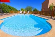 Haus mit ruhigem wunderschönem Garten- privater Pool, Sonnenterrasse, Wifi, TV, AC