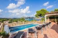 Ferienhaus für 10 (+2) Personen mit beheizbarem Privat-Pool, Sauna und Meerblick