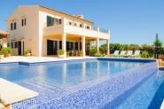 Landhaus-Villa mit privatem Pool, angelegtem Garten und Klimaanlage