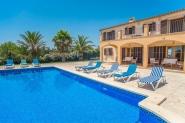Freundlich eingerichtete Landhaus-Finca mit privatem Pool und Rasen - im Südosten Mallorcas
