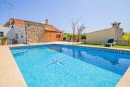 Landhaus-Finca mit privatem Pool und Garten - im Nordosten von Mallorca