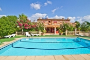 Große Landhaus-Finca mit privatem Pool und gepflegtem Garten